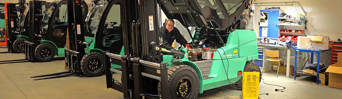 Full range of Battery services for Forklift fleets, truck fleets, golfcart fleets, at Battery Life